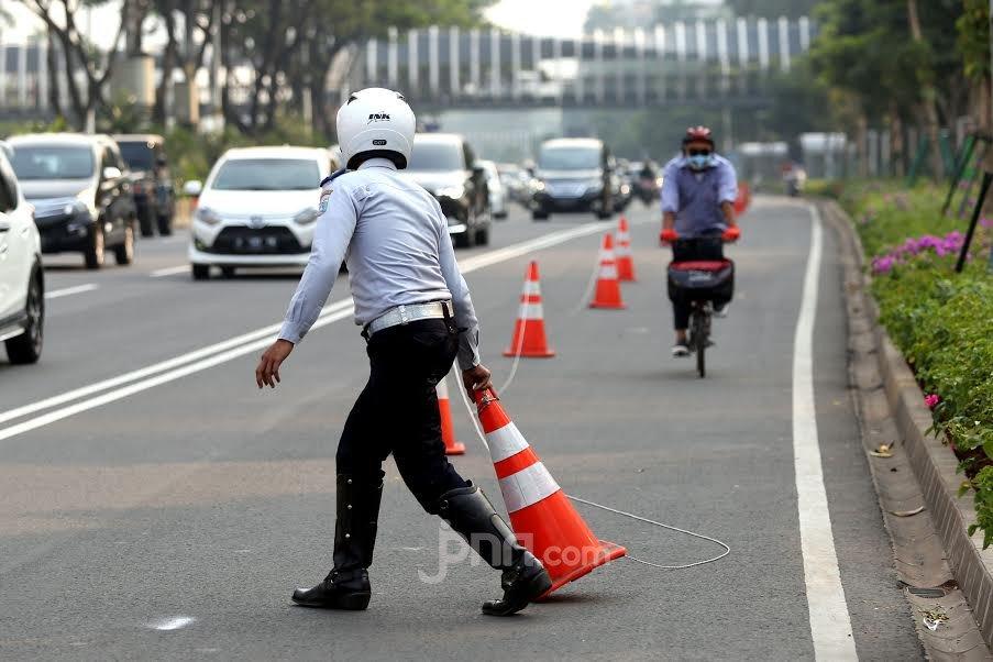 Ahmad Sahroni Minta Kapolri Bongkar Jalur Sepeda, Pengamat Transportasi: Tidak Tepat Itu